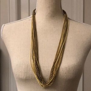 Jewelry - Fun Gold Necklace!